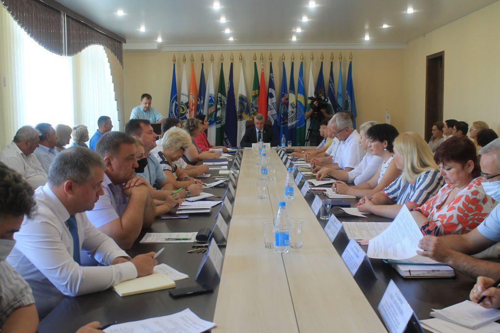 Состоялось расширенное заседание Президиума Совета областного объединения профсоюзов